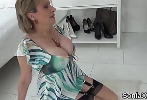 Cheating british mature lady sonia shows off her monster naturals
