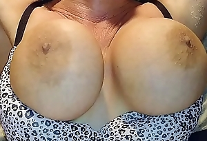 best big bouncing boobs BLONDE BANDITT  BUSTY BEAUTIFUL MILF