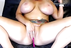 huge tits lady solo anal play orgasm and squirt