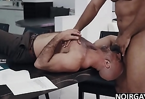 Real estate agent fucks his gay bbc customer to sell house