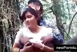 Indian mms desi boy cute girlfriend'_s boob press at park