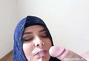 Big Boobed Arab MILF cheating in all directions Stranger