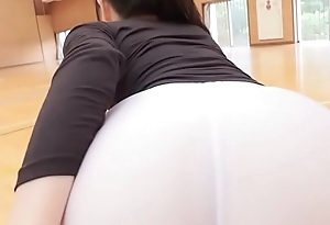 Manami Yamaguchi Yoga pants  black and white legs,ass-fetish running and yoga image video solo