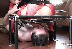 LICK  MY PUSSY  AND  ASS    NOW  !