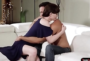 Guy gets his dick sucked by his ts stepmom and barebacks her