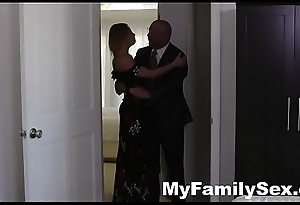 BIG Knocker STEP AUNT HELPS ME CUM- MyFamilySex.com