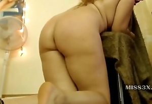 hard job for mature play her old vagina