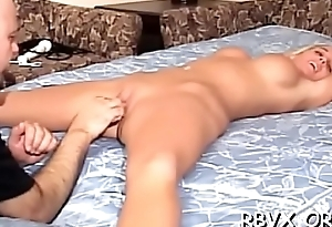 Attractive sweetheart gets her nipps pinched and strapped