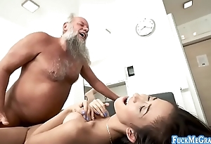 Older dude bangs sexy lady really hard