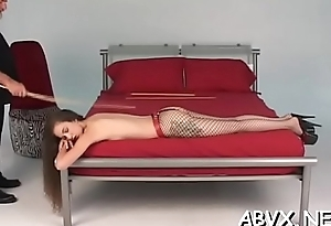 Cutie gets the magic ass spanked in hawt home movie scene